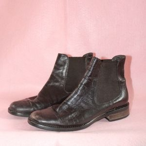 chic italian brown leather chelsea boots